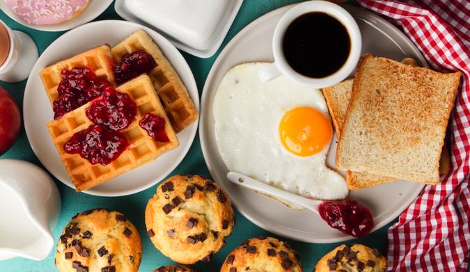 10 τροφές που πρέπει να έχει το πρωινό μας