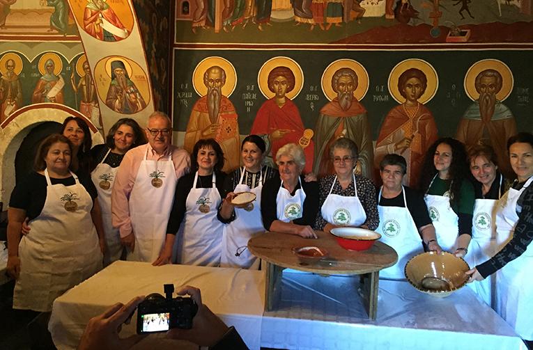 Παραδοσιακά ζυμώματα στην Ιερά Μονή Τοπλού
