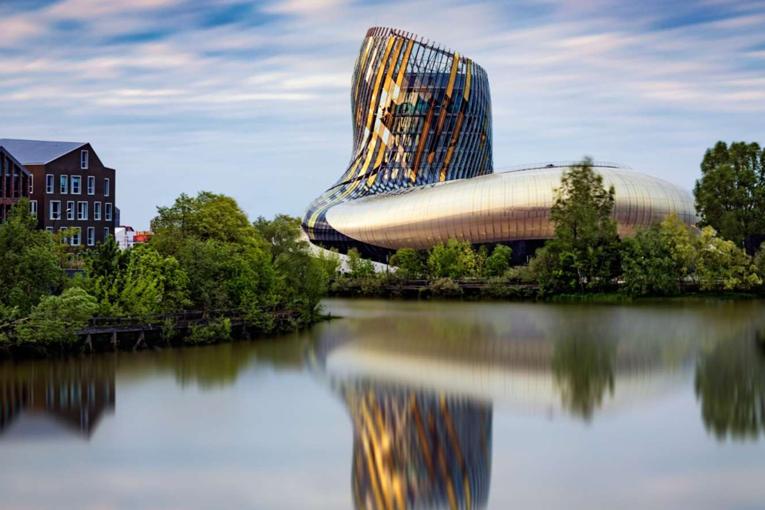 Το Μουσείο Οίνου «La Cite du Vin» τιμά τα κρητικά κρασιά!