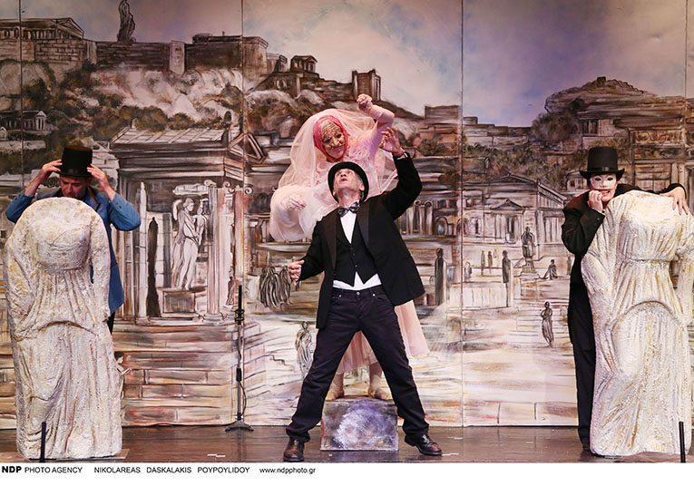 """Η Σάρα Εσκενάζη πρωταγωνιστεί στην παιδική μουσικοθεατρική παράσταση """"Ο Πλούτος"""" του Αριστοφάνη"""
