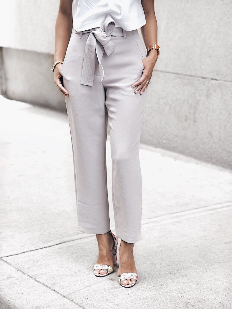 I love the pockets and belt that ties at the waist on these grey pants from Aritzia