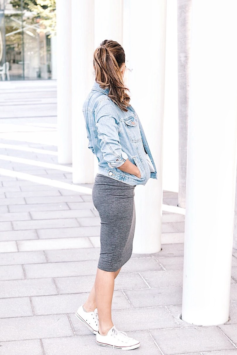 Some white converse and denim jacket to make the look more sporty