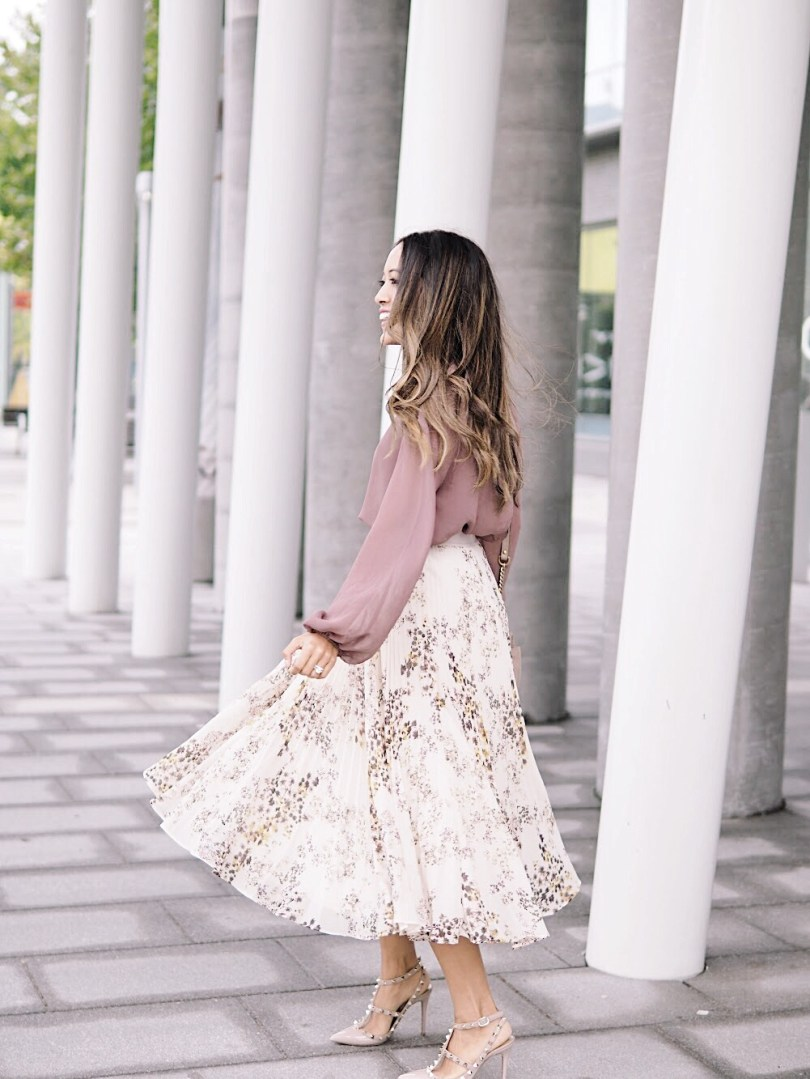 Twirling in my new pleated skirt from Aritzia