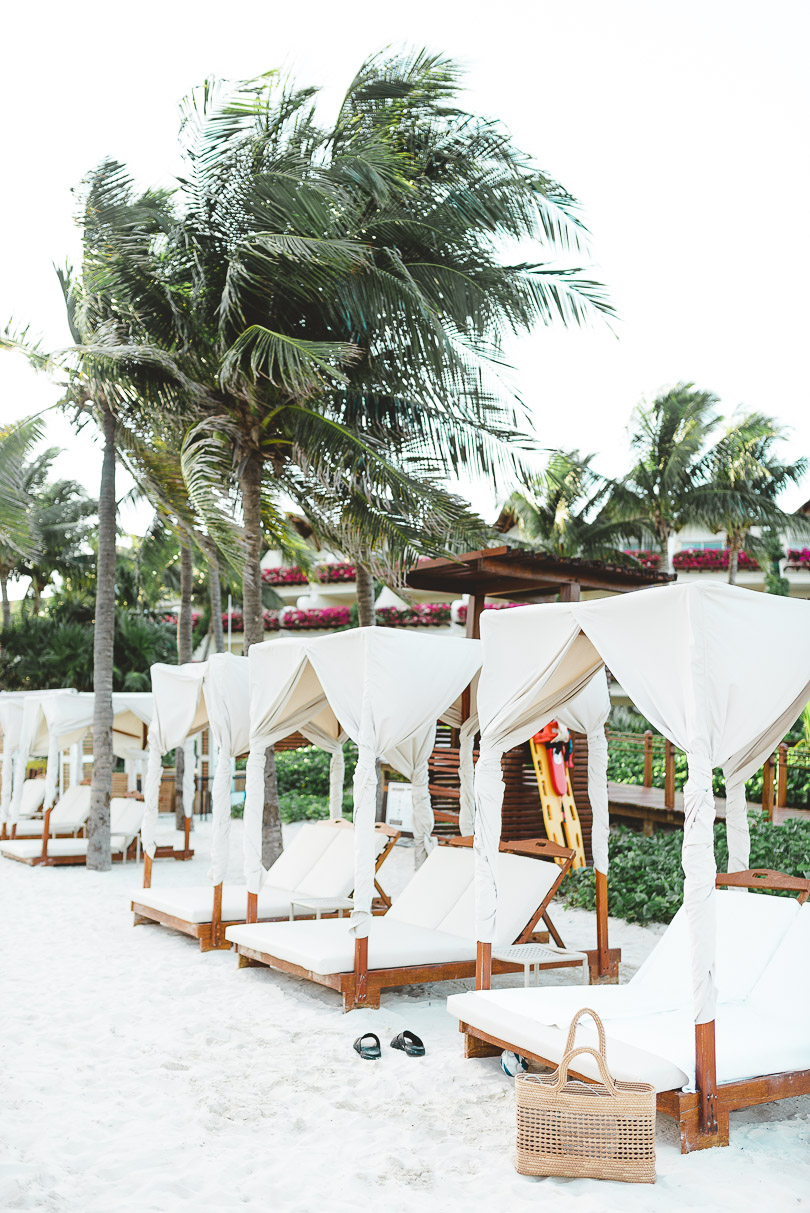 Beach and sunbeds at Grand Velas