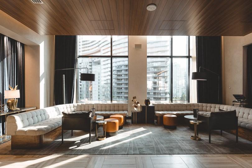 D/6 Var & Lounge Vancouver