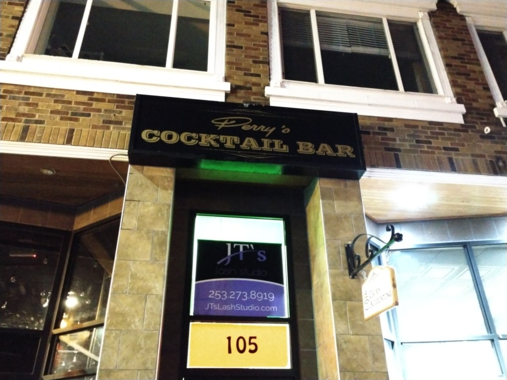 Perry's Cocktail Bar