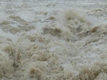 high-water-123208_1280