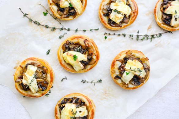 Caramelised Onion & Mushroom Tarts | Dinewithjemutai.com