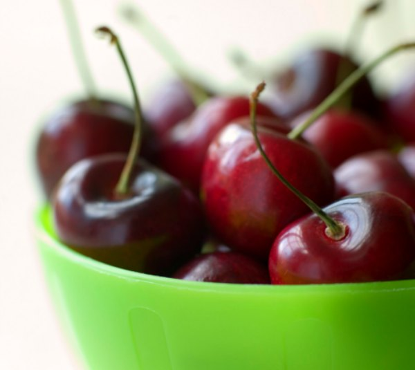 Spring Produce Spotlight: 7 Fruits and Veggies to Find Now