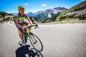 Etape du Tour 2017 - Photo Sportograf - dans l'Izoard, collé à la route mais avec style lol