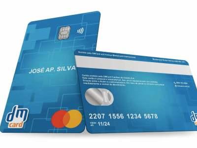 DMCard entra no mercado de cartões de crédito bandeirados com foco na inclusão financeira