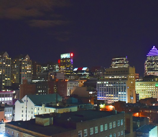 Hotel Le Crystal Montreal Rooftop View