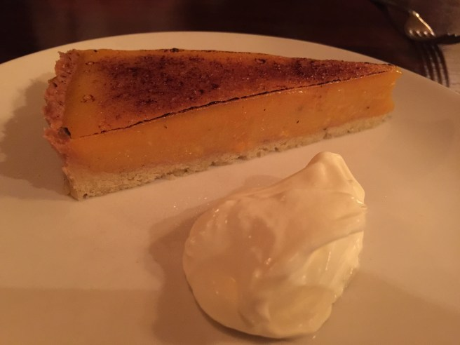 Lemon tart with cream