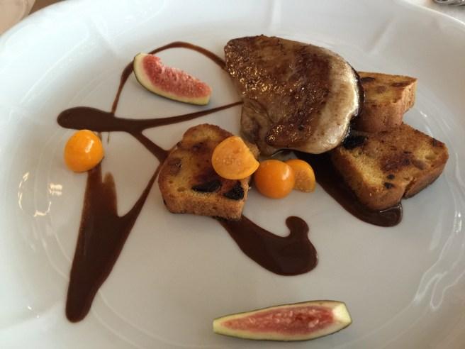 Roasted foie gras with fruitbread and dark chocolate paprika pureé