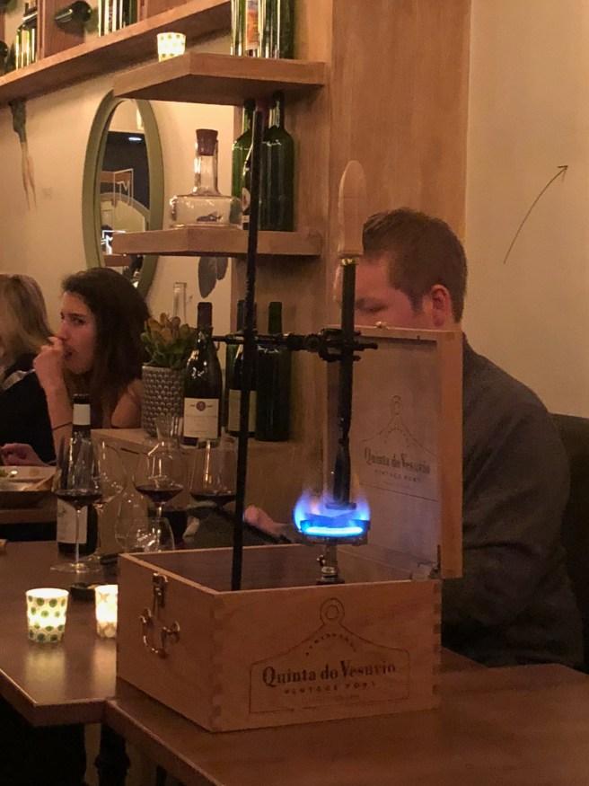 heating wine cutter