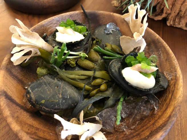 Jellied eel, toasted seaweed and malt vinegar
