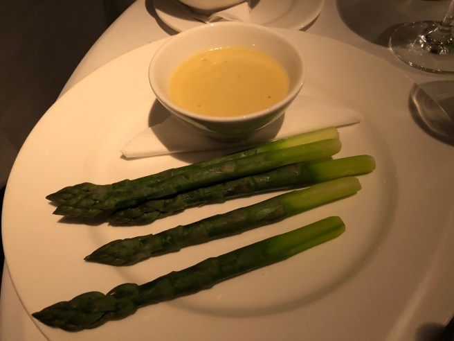 Asparagus and butter sauce
