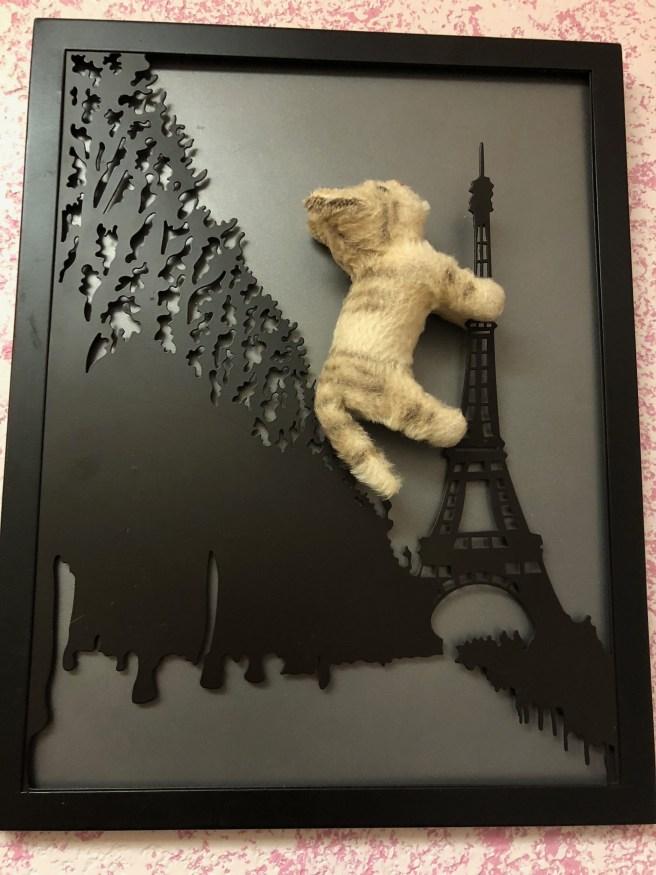 Frankie climbed the Eiffel tower