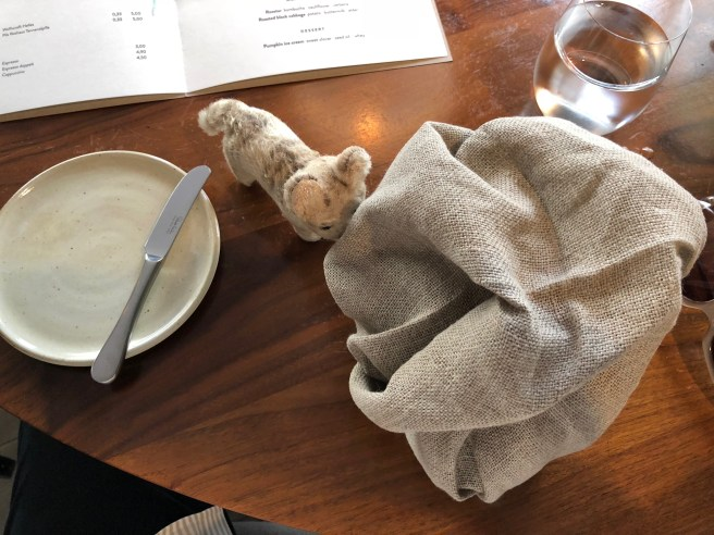 Frankie had never seen the puffy napkin setting