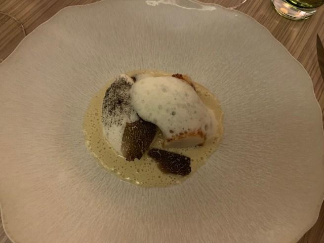 Fresh Scallops and Autumn Uncinatum Truffle, like a 'floating island'