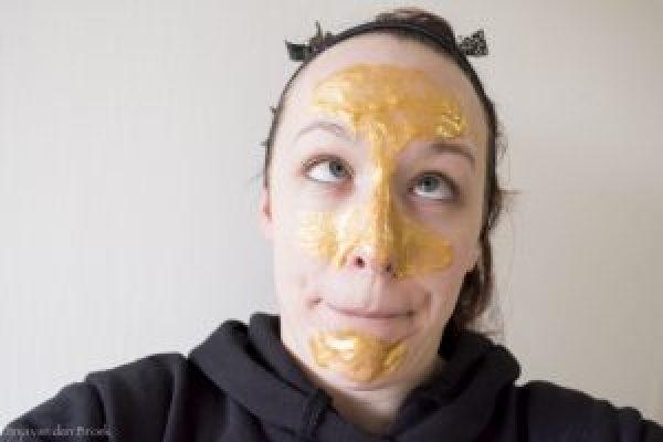 Gouden gezichtsmaskers van de Action