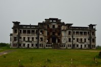 Another abandoned building at the Bokor National Park