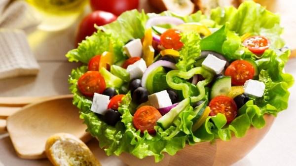 Классический рецепт греческого салата с брынзой пошагово с