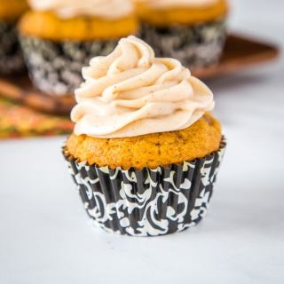 Pumpkin Spice Cupcakes with Cream Cheese Frosting - tender pumpkin cupcakes up all the delicious fall spices and topped with a cinnamon flavored cream cheese frosting.