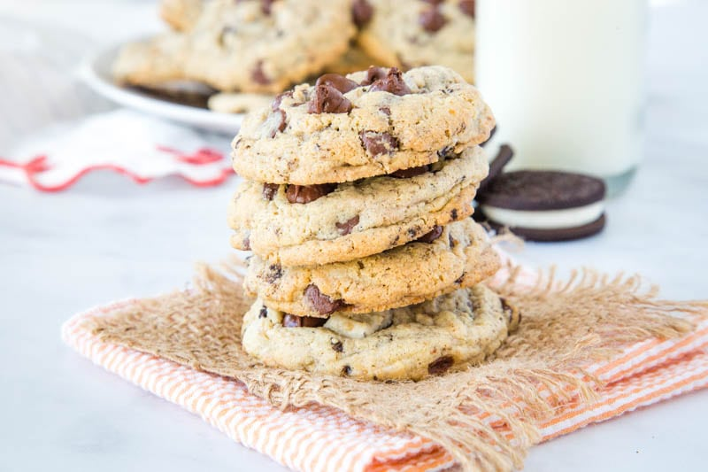 Oreo Pudding Cookies - Pudding mix makes for super thick, soft, and chewy cookies. And using Oreo pudding means you get that cookies and cream flavor in every single bite!