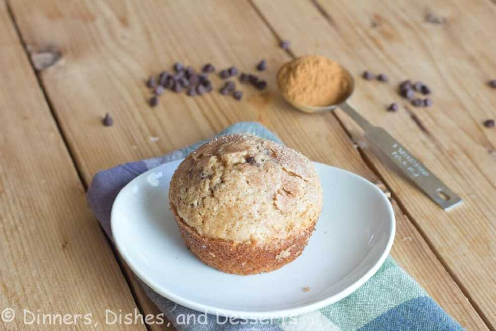 Cinnamon Chocolate Chip Muffins - A fluffy muffin full of tons of cinnamon flavor and chocolate chips! They freeze well, so they are perfect for quick breakfast in the morning