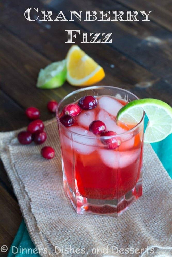 Cranberry Fizz | @dinnersdishesdessert