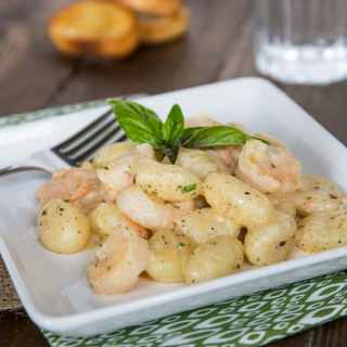 Gnocchi Shrimp Scampi - dinner is ready in less than 15 minutes, and tastes like it came from a restaurant.