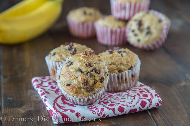 Skinny Banana Chocolate Chip Muffins {Dinners, Dishes, and Desserts}
