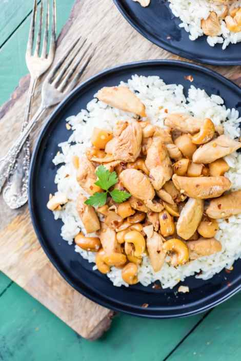 Slow Cooker Cashew Chicken {The Cookie Rookie}