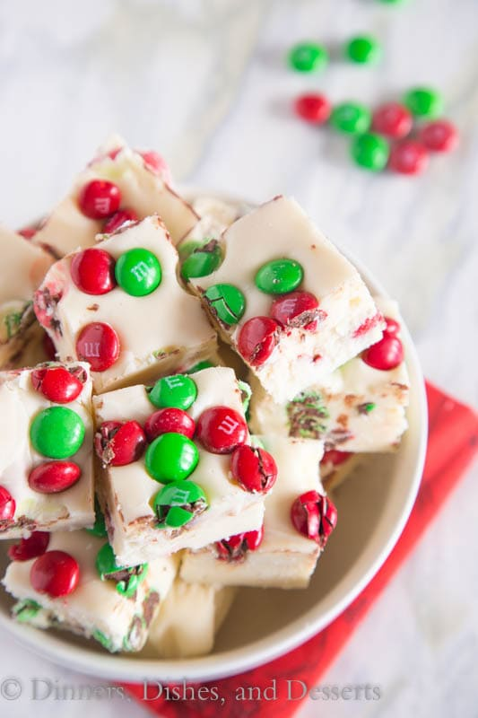 M&M White Chocolate Fudge - Easy sweet white chocolate fudge with lots of festive M&M's #BakeItFoward