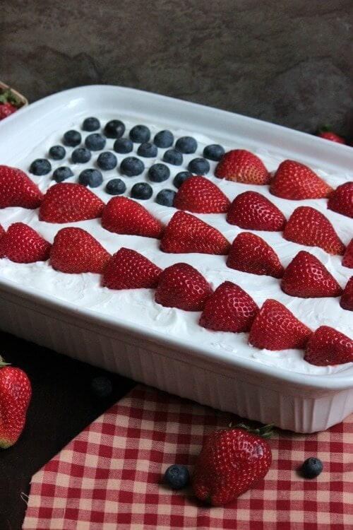 USA Flag Eclair Cake {Big Bears Wife}