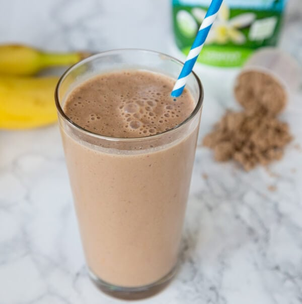 Chocolate Peanut Butter Smoothie is rich, creamy, and a healthy way to start the day! Who doesn't want to start their day with chocolate and not feel guilty about it?
