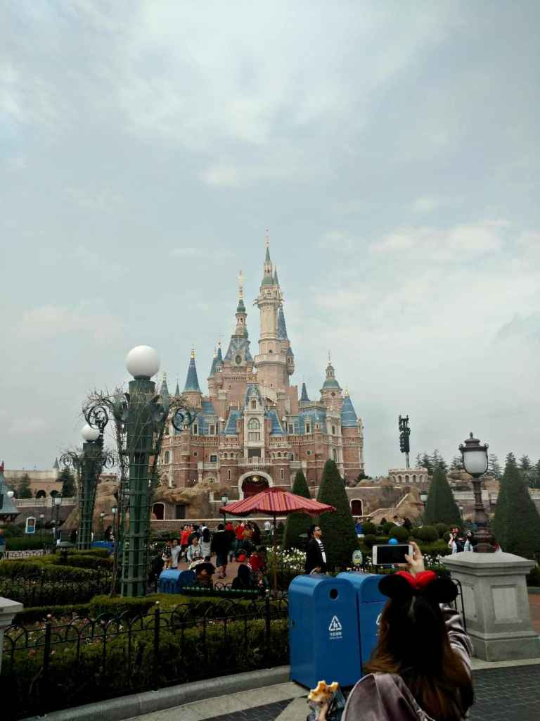 10 Things to do in Shanghai - Headed to China? Wonder what to do in Shanghai? Here are our 10 favorite things to do in Shanghai. Shanghai Disney