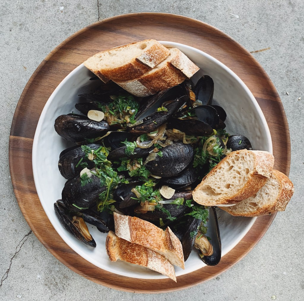 instant pot mussels from dinner in an instant