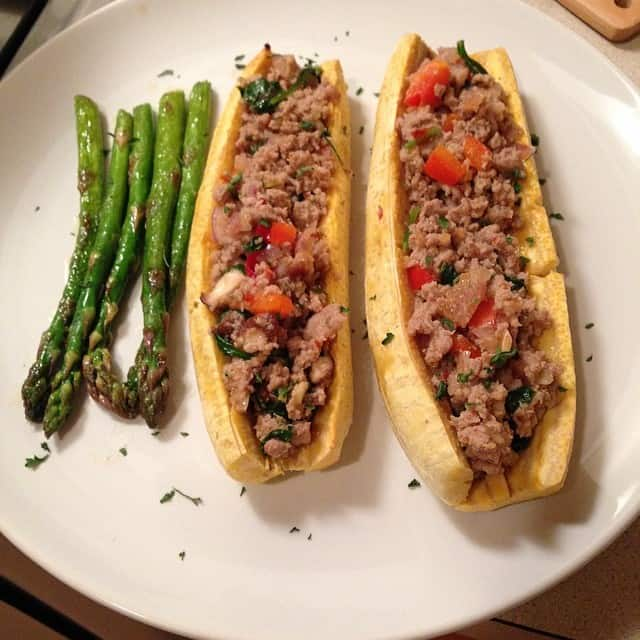 Stuffed Baked Plantain with Asparagus
