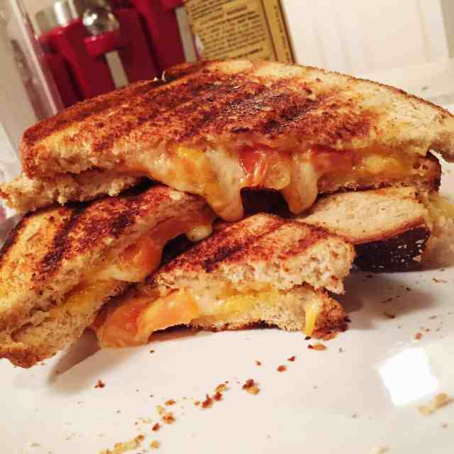 Grilled Gouda & Cheddar Cheese Sandwich with tomatoes