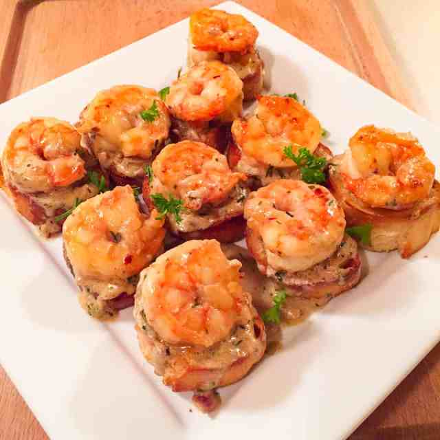 Shrimp with Whiskey Tarragon Sauce on French Bread