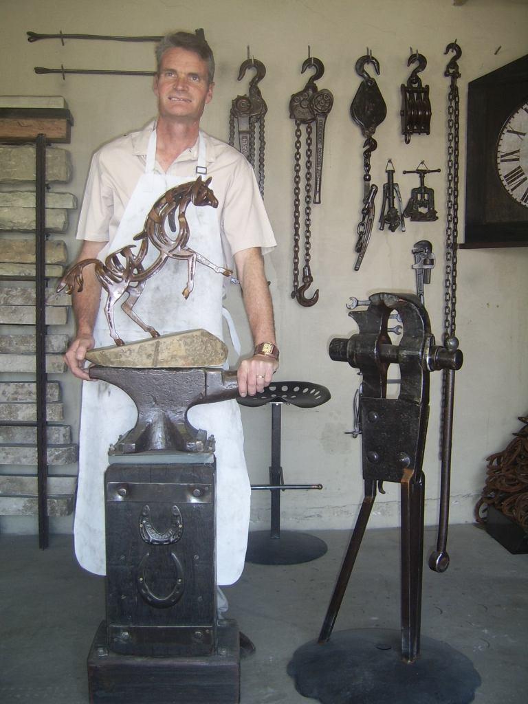Johan Du Plessis Sculptor featured photo 768x1024