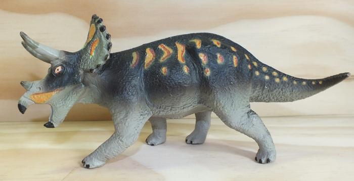 Spinops Jurassic Dinosaur collectors PNSO 1//35 realista 15 cm nuevo