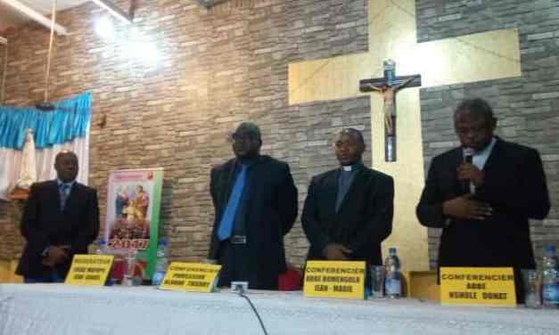 A chacun son rôle entre l'Eglise et la classe politique