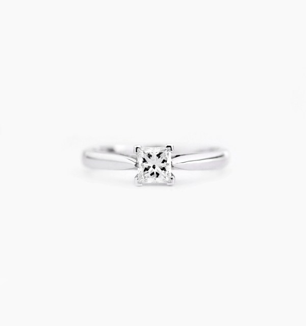 diamond-solitaire-engagement-ring-style-2-0