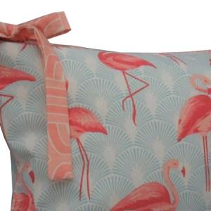 close de cabeceira de berço estampada flamingo