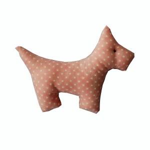 lembrancinha de pano em forma de cachorrinho estampado rosa