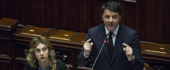 Dipendenti pubblici, Renzi: 'Chi timbra e va via cacciato in 48 ore'.