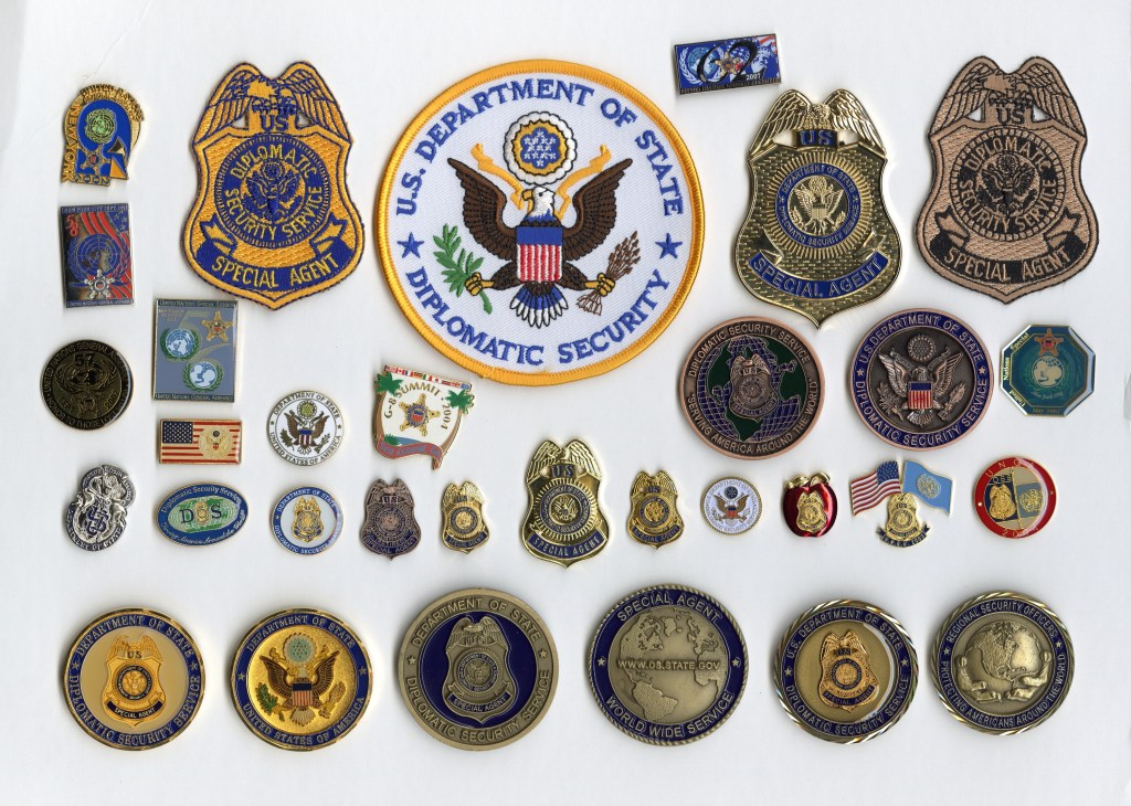 DS badges patches pins coins artifact collection